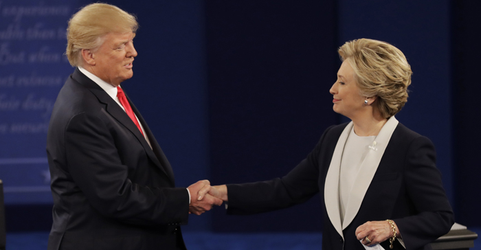 Handshake Trump Clinton Debate