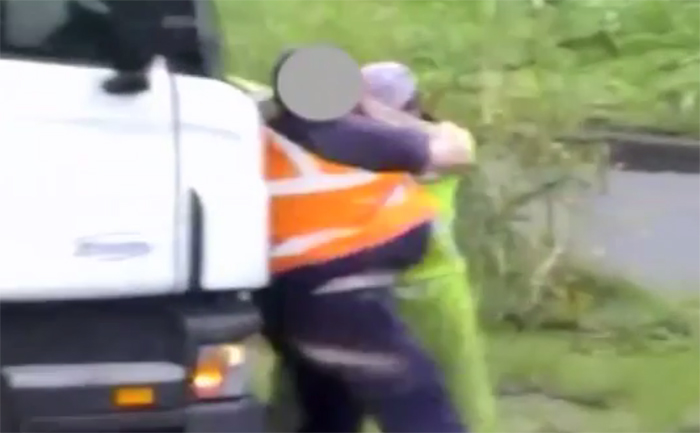 Truck Road Rage Fistfight